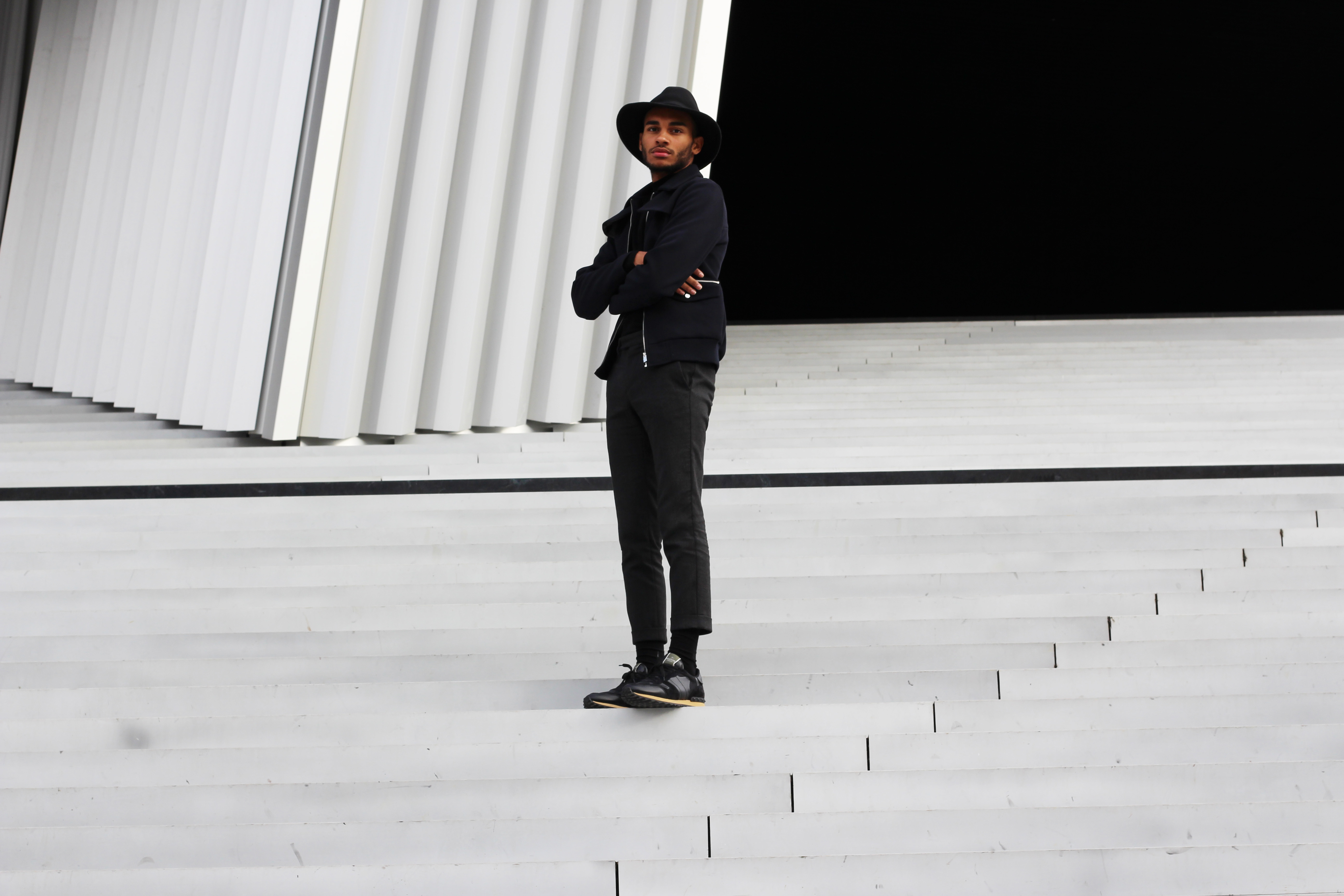 mrfoures-river-island-zara-valentino-blogueur-homme-bordeaux-paris-blog-mode-homme-valentino-trainers-sneakers-look-ootd-fashion-blogger-philarmonie
